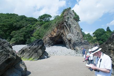 The Ladies Anticline, Saundersfoot geology field trip GeoWorld Travel